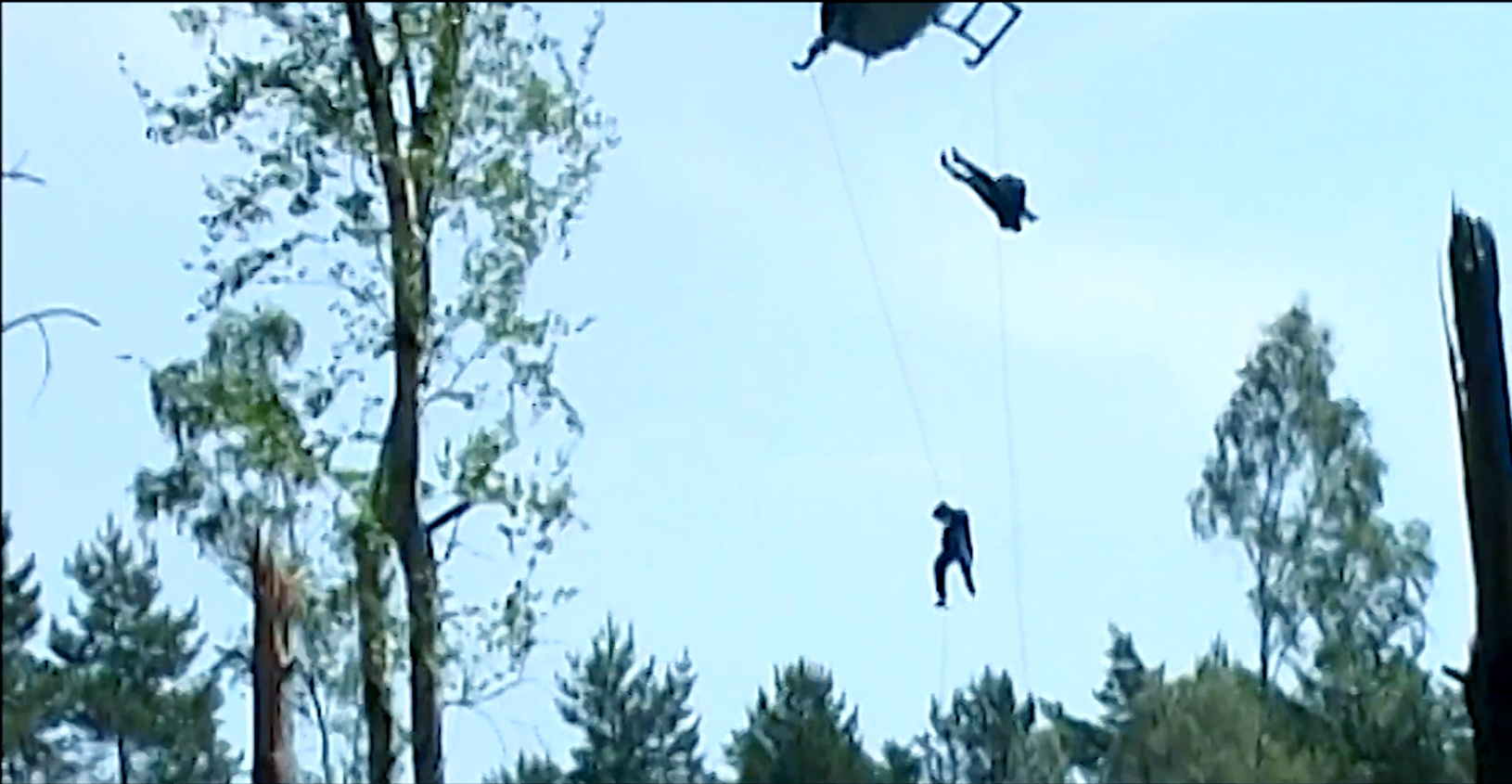 Martin Goeres, Stuntperforming, rappelling helicopter